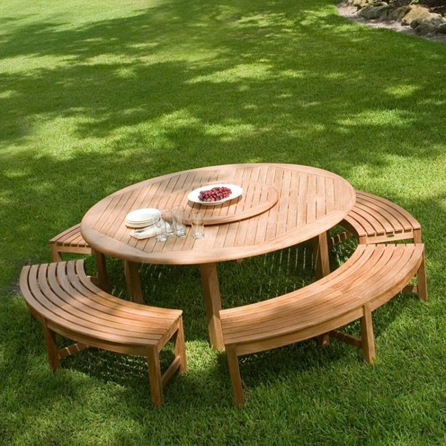Wooden Picnic Tables Round