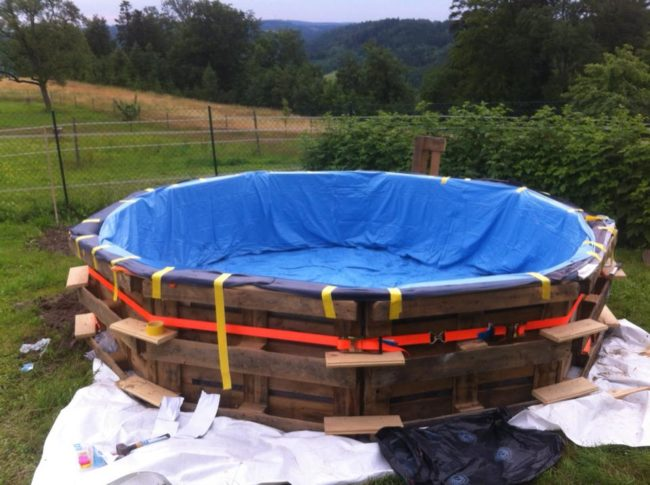 How To Make A Pallet Pool