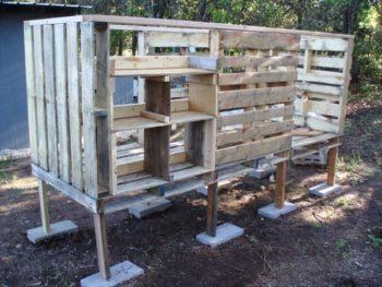 Pallet Board Chicken Coop