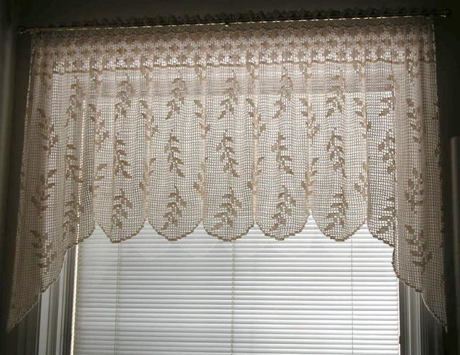 Blowing Wheat Valance Curtain