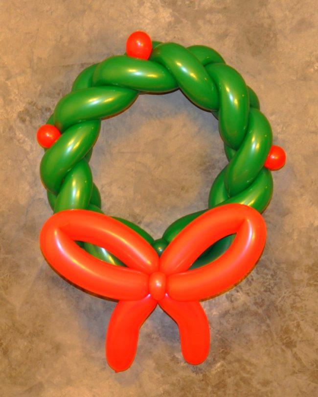 Balloon Holiday Wreaths
