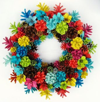 20 creative pine cone wreaths inhabit zone for How to paint pine cones for christmas