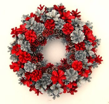 Pine Cone Wreaths Made For Christmas
