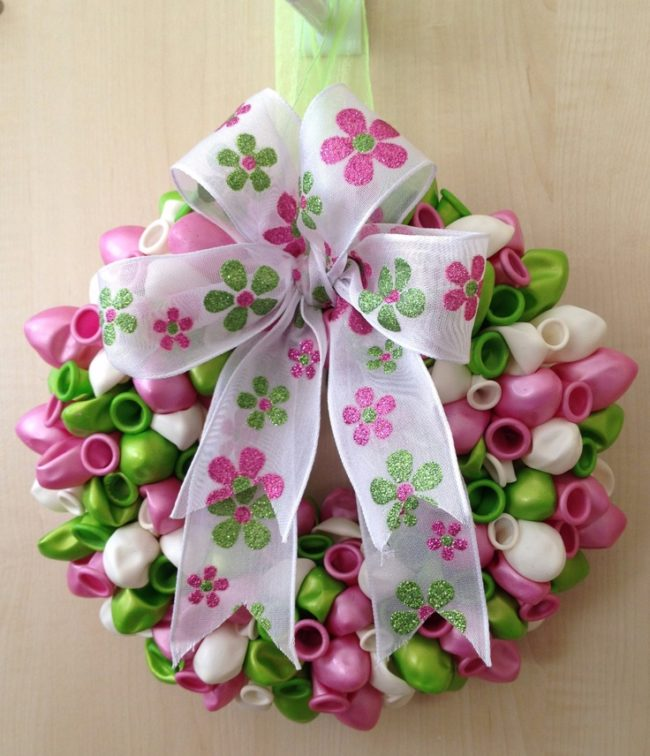 Spring Wreath Ideas with Balloons