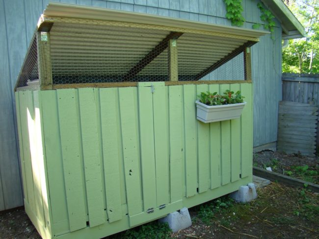 Chicken Coop Made From Pallet Wood