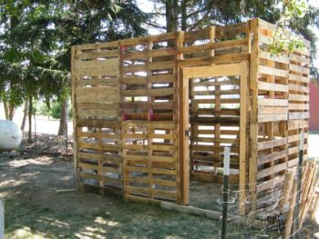 DIY Pallet Chicken Coop Plans