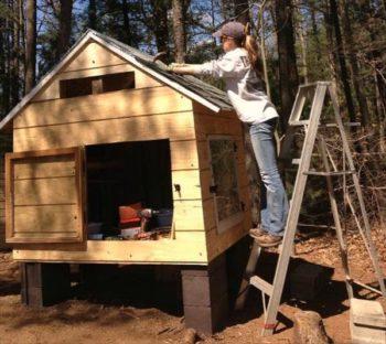Pallet Chicken Coop DIY