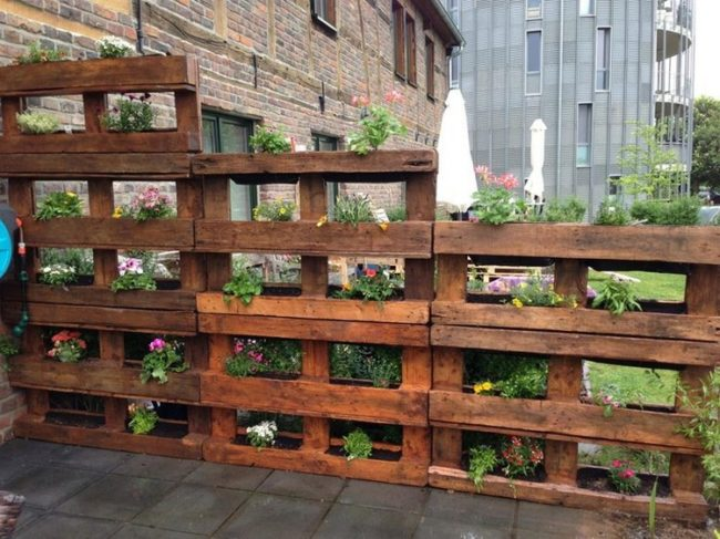 Wood Pallet Fence Planter