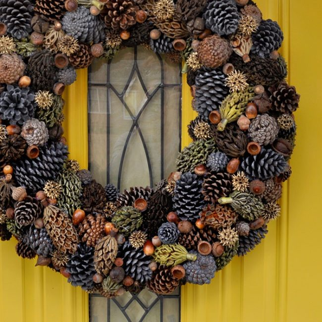 Christmas Pine Cone Wreaths