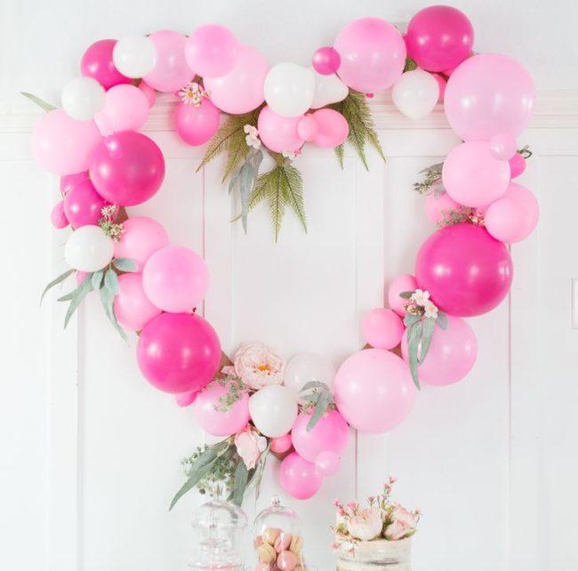 Heart Shaped Wreath Balloons