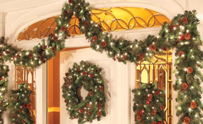 lighted christmas garland