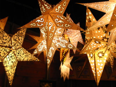 Creative Paper Star Lanterns Inhabit Zone